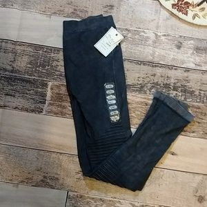 Nwt L/XL moto style leggings in a denim blue color